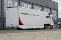 Racetrailer for 2 cars and luxurious living