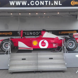F1.jpg